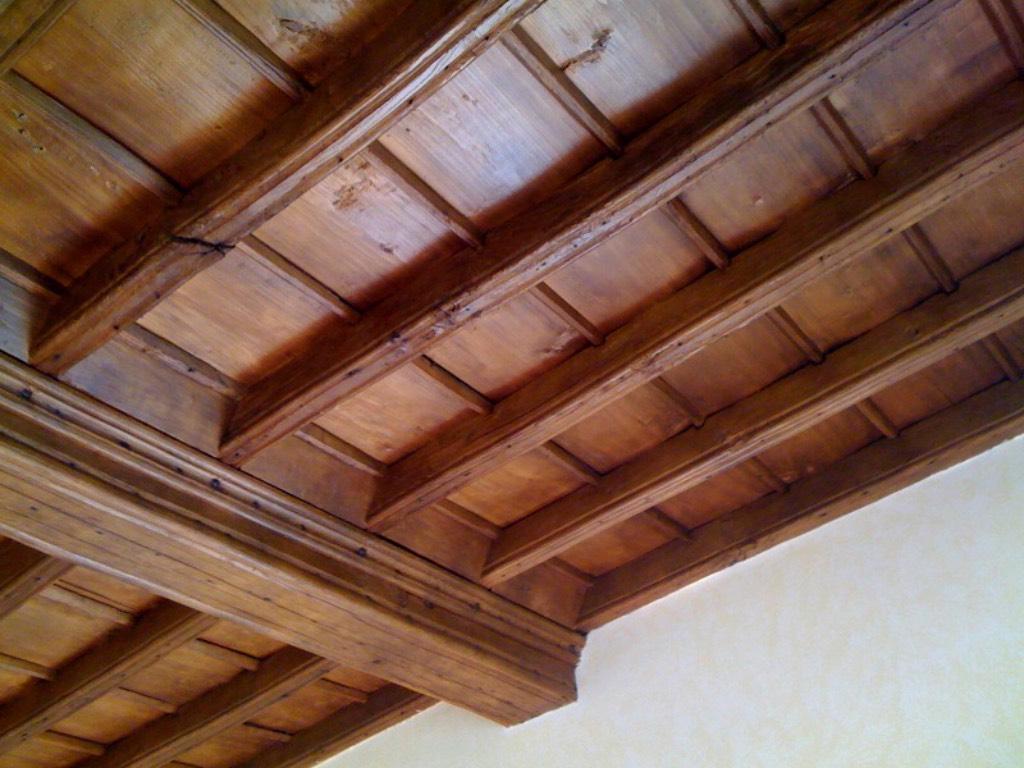 Soffitti in legno tutto su ispirazione design casa for Manetti legnami